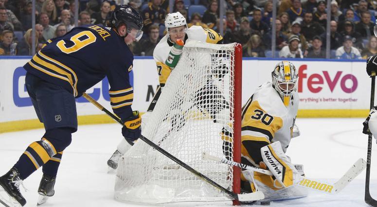 Eichel plays hero in 5-4 preseason win over Penguins
