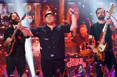 Luke Combs performs at the 2019 CMT Music Awards