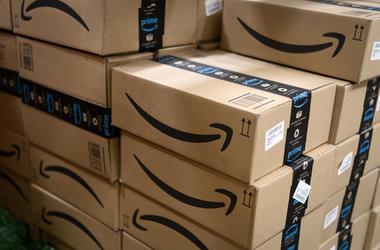 Amazon is bringing a job fair to Arlington,Virginia.