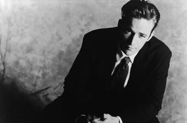 Promotional studio portrait of American actor Luke Perry from the television series, 'Beverly Hills, 90210,' 1994.