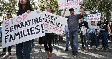 Panel hears case on conditions for young migrants on border