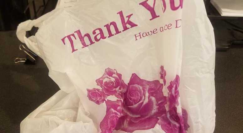 Mayor de Blasio has renewed an effort to ban plastic bags in New York City.