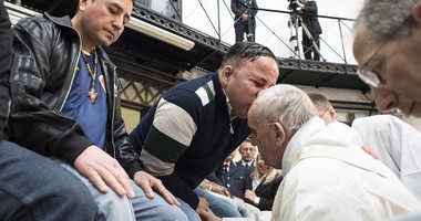 3/30/2018 - Pope Francis washed the feet of 12 prisoners Christians, Muslims and one Buddhist at the Mass of Our Lord's Supper on Easter Holy Thursday afternoon at Regina Coeli prison in Rome.