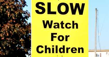 Slow children at play sign.