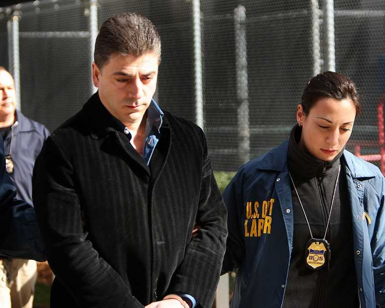 Mob Arrest Frank Cali, FBI perp walk