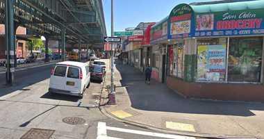 Man stabbed in Soundview bodega.