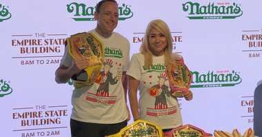 Joey Chestnut and Miki Sudo