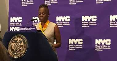 First Lady Chirlane McCray announces a program addressing domestic abusers before they are involved with the criminal justice system.