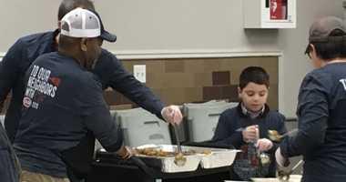 NYC food bank volunteers
