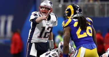Tom Brady points at the defense during the New England Patriots' win over the Los Angeles Rams in the Super Bowl.