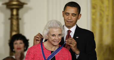 President Barack Obama presents the 2009 Presidential Medal of Freedom to Sandra Day O'Connor. O'Connor, the first woman on the Supreme Court, announced Tuesday that she has the beginning stages of dementia.