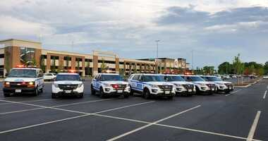 Police at Staten Island mall