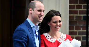 4/23/2018 - Prince William, Duke of Cambridge and Catherine, Duchess of Cambridge leave the Lindo Wing of St. Mary's Hospital in London with their newborn son on April 23, 2018. The baby boy is fifth in line to the throne.