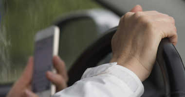 Texting and driving file image.