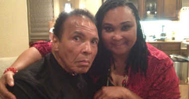 May May Ali and her father Muhammad Ali.