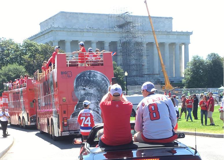 Junkies_Caps_Parade_Lincoln_Memorial