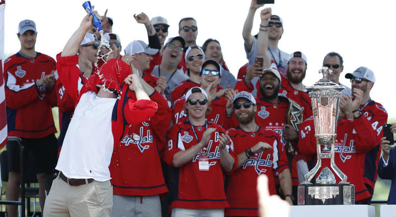 Redskins Ryan Kerrigan honors T.J. Oshie with beer chug at Game 5.