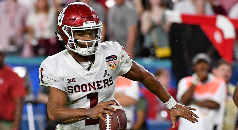 Kyler Murray chooses football