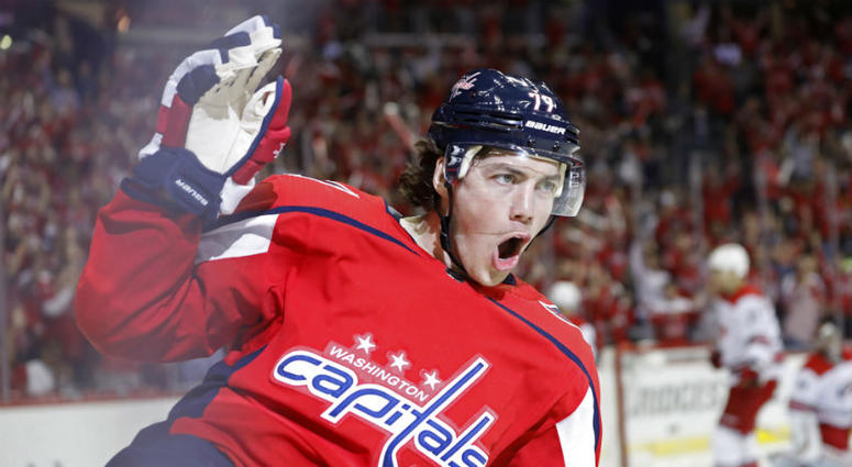Crowd at Game 5 chants for T.J. Oshie.