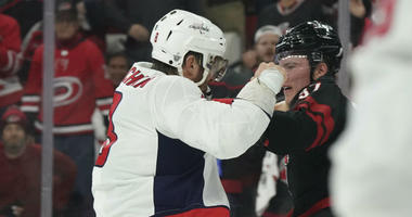 Caps announcer defends Ovechkin for Svechnikov fight: 'This was not a mugging'