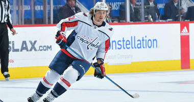Washington Capitals re-sign forward Carl Hagelin to a four-year contract.