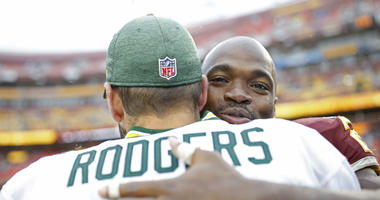 Adrian_Peterson_Aaron_Rodgers