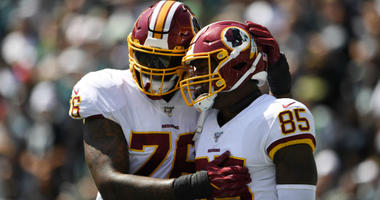 Vernon Davis finds strength to play after losing grandfather