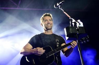 Josh Turner's  Road Crew Bus Involved In Deadly Accident