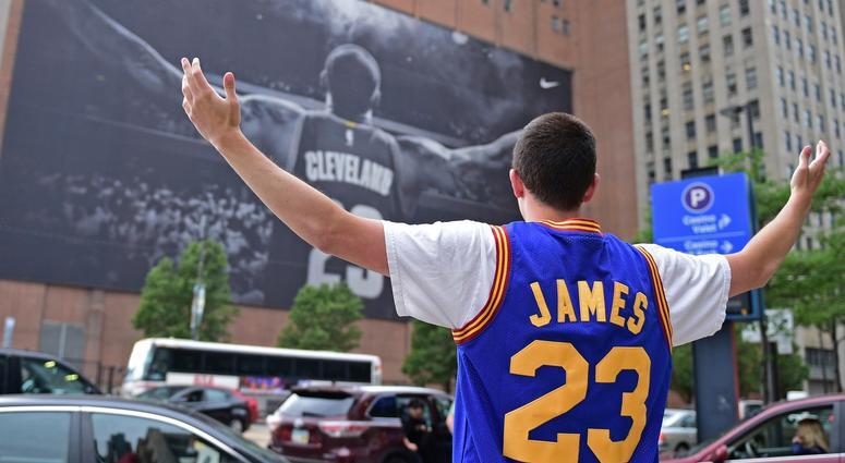 ef836576593 Cleveland reacts to LeBron James  decision to join Los Angeles ...