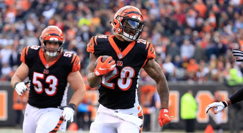 CINCINNATI, OH - DECEMBER 16: Joe Mixon #28 of the Cincinnati Bengals runs for a touchdown against the Oakland Raiders at Paul Brown Stadium on December 16, 2018 in Cincinnati, Ohio. (Photo by Andy Lyons/Getty Images)