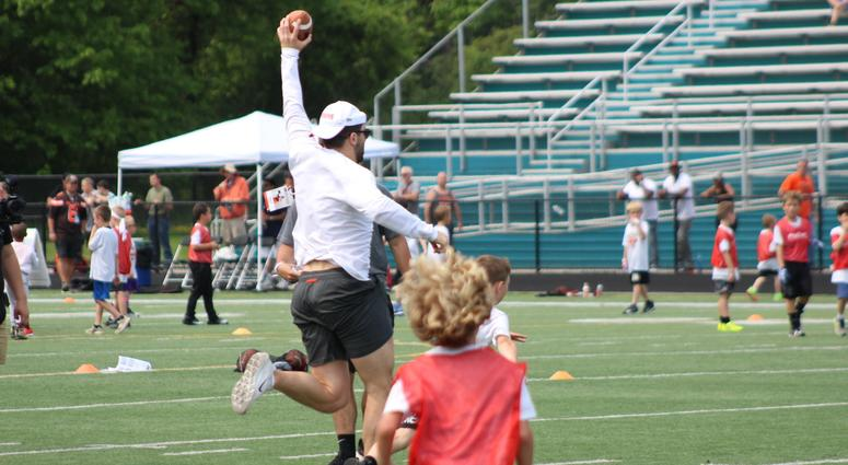 Baker Mayfield hosts over 500 kids at youth football camp | 92 3 The Fan