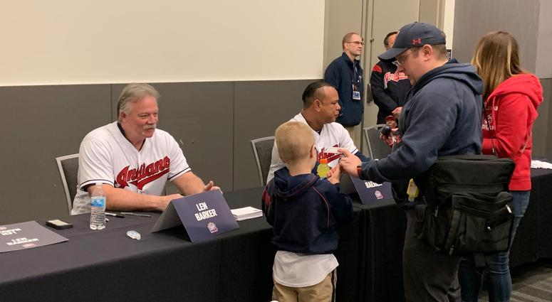Len Barker was perfect signing autographs