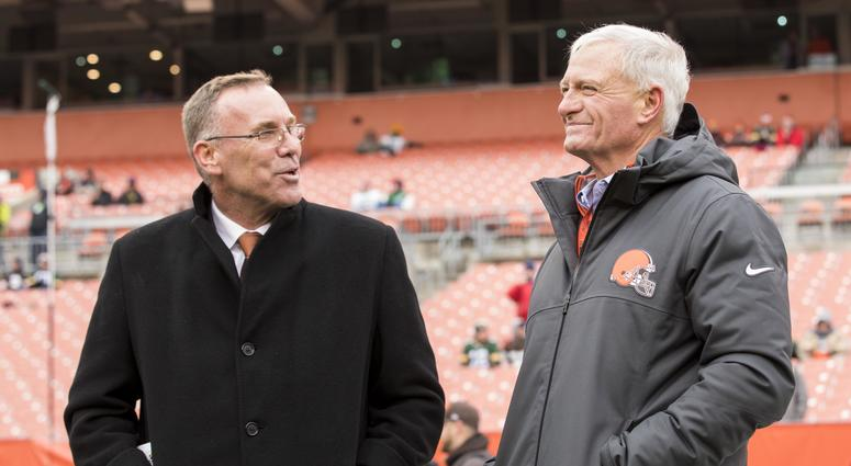 Cleveland, OH, USA; Cleveland Browns general manager John Dorsey, left, talks with team owner Jimmy Haslam during warmups before the game against the Green Bay Packers at FirstEnergy Stadium