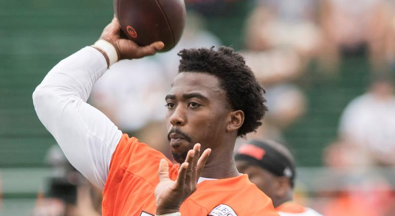 leveland Browns quarterback Tyrod Taylor (5) throws a pass during training camp at the Cleveland Browns Training Complex.