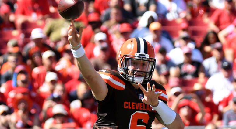 Cleveland Browns quarterback Baker Mayfield (6) throws a pass in the first half against the Tampa Bay Buccaneers at Raymond James Stadium.