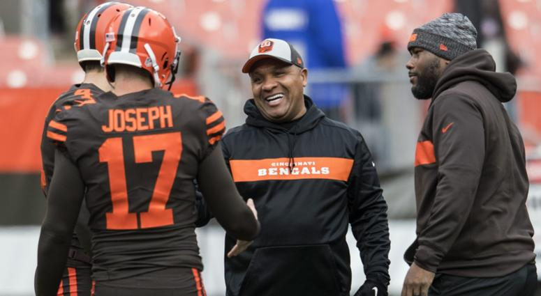 Dec 23, 2018; Cleveland, OH, USA; Former Cleveland Browns head coach and current Cincinnati Bengals special assistant to the head coach Hue Jackson (center) talks with Cleveland Browns kicker Greg Joseph (17) and punter Britton Colquitt (4) before the gam