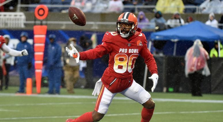 reputable site 97149 d0ce3 Myles Garrett gets sack, Jarvis Landry drops TD in Pro Bowl ...