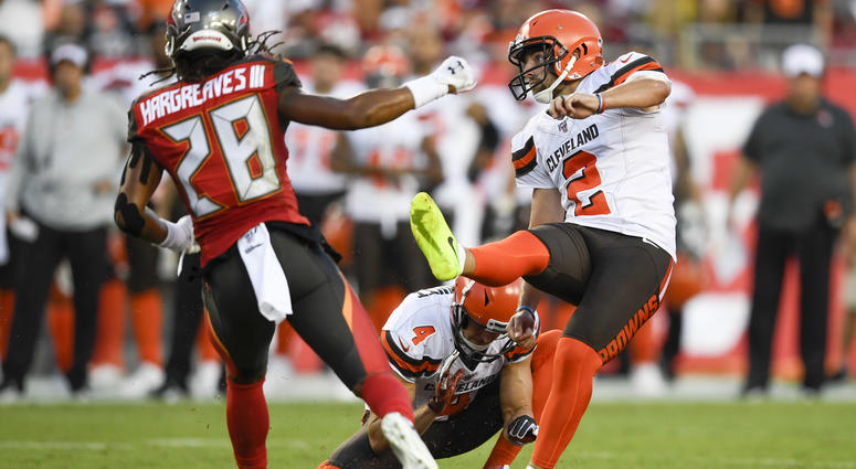 Browns defense turns up heat, offense sputters in 13-12 loss to Bucs