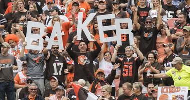 Cleveland Browns fans hold Baker Mayfield sign