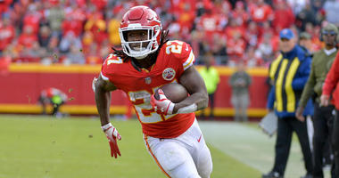Nov 11, 2018; Kansas City, MO, USA; Kansas City Chiefs running back Kareem Hunt (27) runs the ball during the second half against the Arizona Cardinals at Arrowhead Stadium. The Chiefs won 26-14.