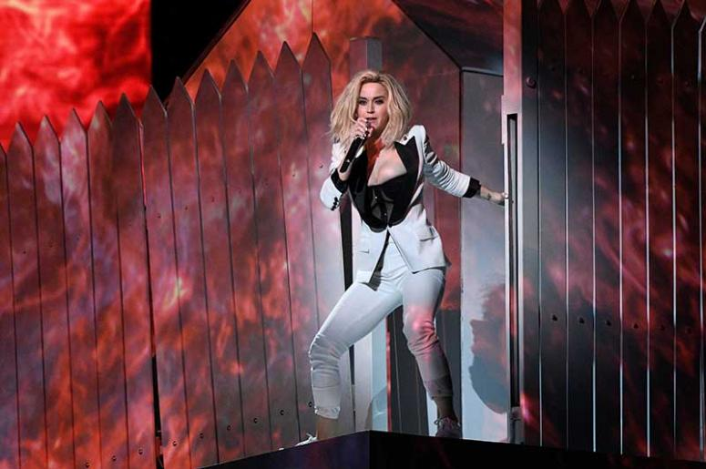 Katy Perry S Chained To The Rhythm Video Is Here 107 9 The Link