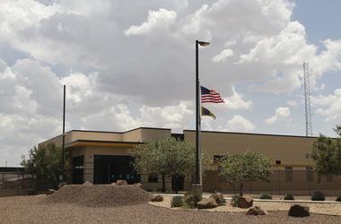 Esta foto del 26 de junio del 2019 muestra la entrada de la estación de la Patrulla Fronteriza en Clint, Texas.