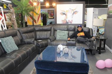 Chepe en Furniture and More
