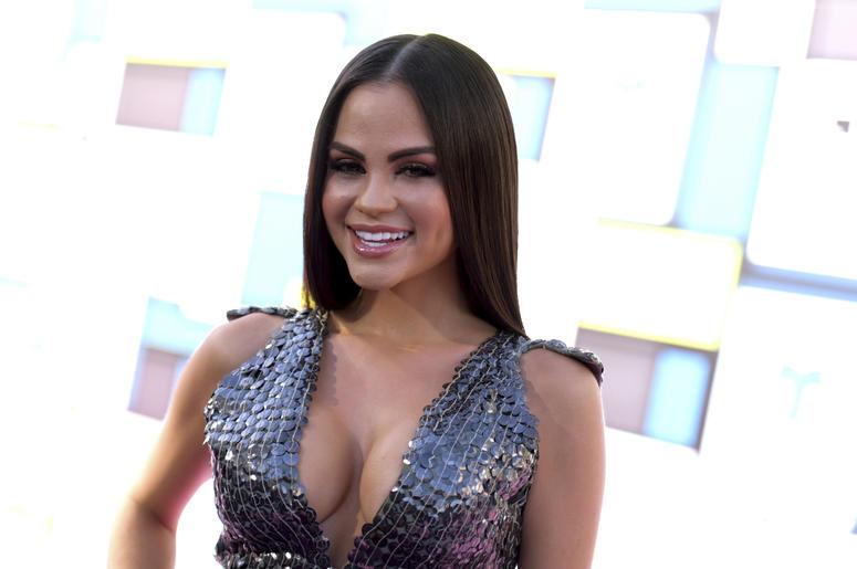 En esta foto del 6 de octubre del 2016, Natti Natasha llega a la ceremonia de los Latin American Music Awards en Los Angeles. La cantante de reggaetón encabeza la lista de nominados al Premio Lo Nuestro con 15 candidaturas, anunció Univision el martes 8 d