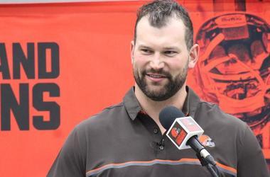 Joe Thomas retirement press conference