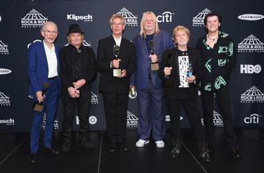 Inductees Steve Howe, Alan White, Bill Bruford, Rick Wakeman, Jon Anderson, and Travor Rabin