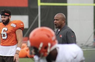 Cleveland Browns Hue Jackson dealing with deaths of brother, mother