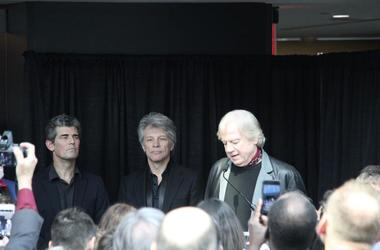 Greg Harris, jon Bon Jovi, Justin Hayward