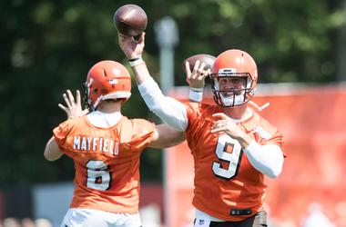 Cleveland Browns quarterback Baker Mayfield (6) and quarterback Drew Stanton (9)