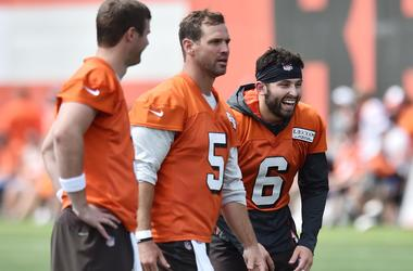 Cleveland Browns quarterback Baker Mayfield (6) laughs with quarterback Drew Stanton (5) and quarterback Garrett Gilbert (3) during training camp at the Cleveland Browns Training Complex.